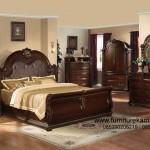 Interior Kamar Tidur Dengan Desain Unik dan Klasik FKT-K 481